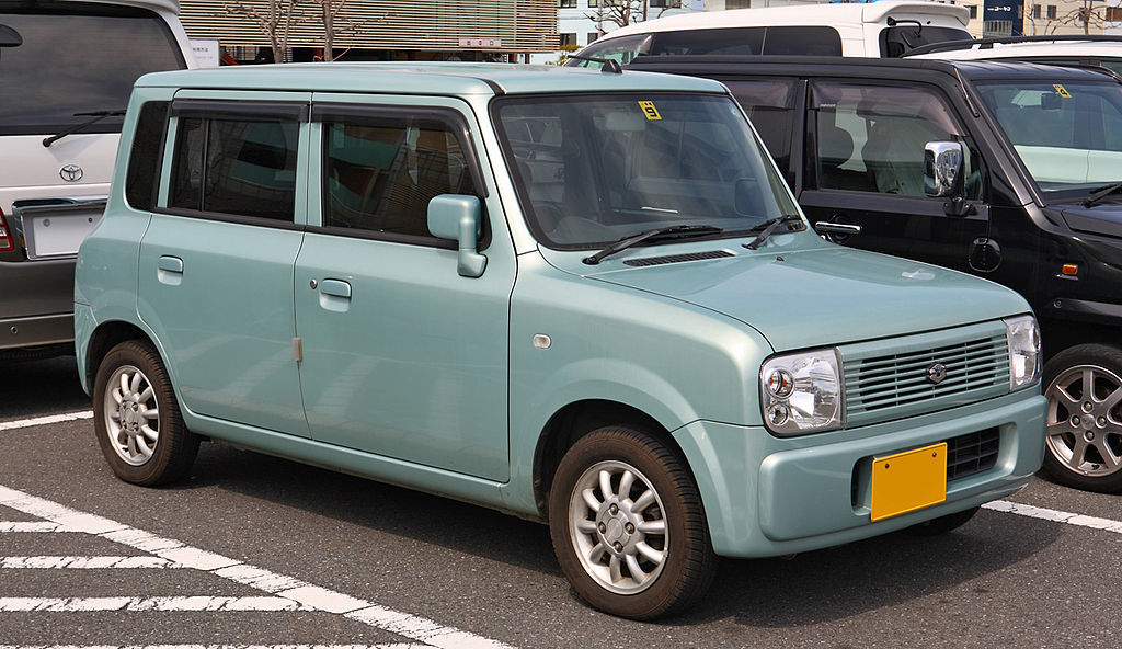 1024px-Suzuki_Alto_Lapin_001.jpg